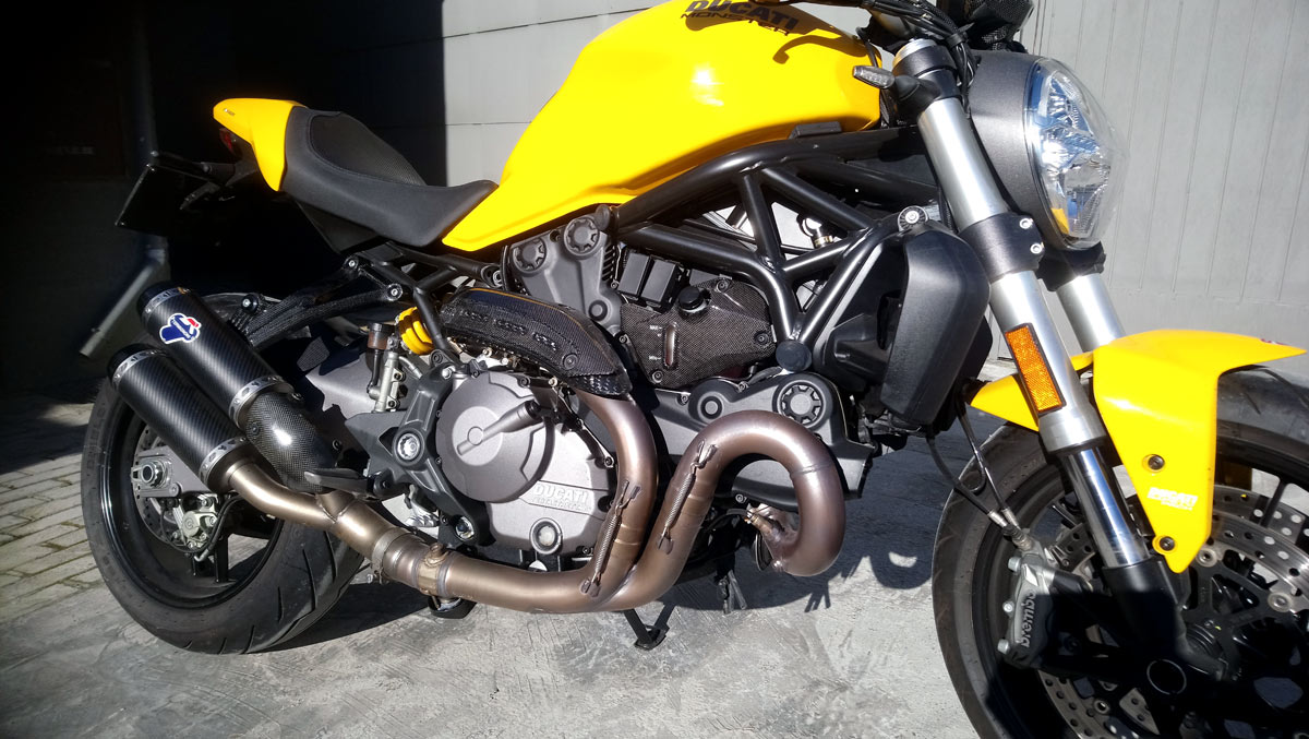 exhaust support Racing Carbon