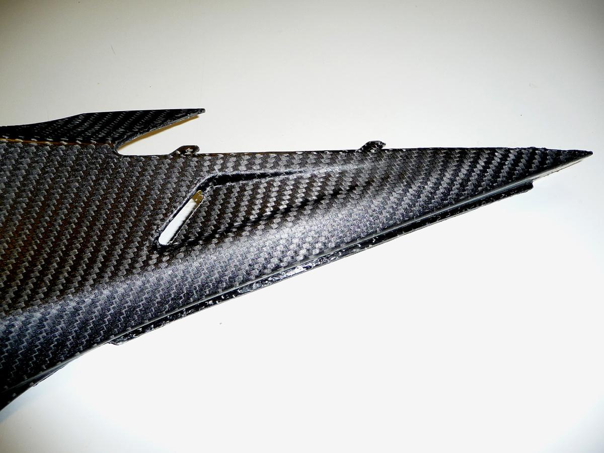 carénage inférieur Carbone réservoir RSV4 / Tuono V4