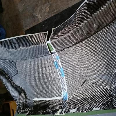 pose des fibres de carbone / laying carbon fibers