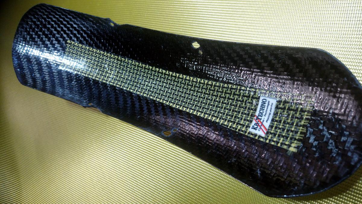 Truxthon lèche roue av. Carbone sergé 2x2 twill intérieur