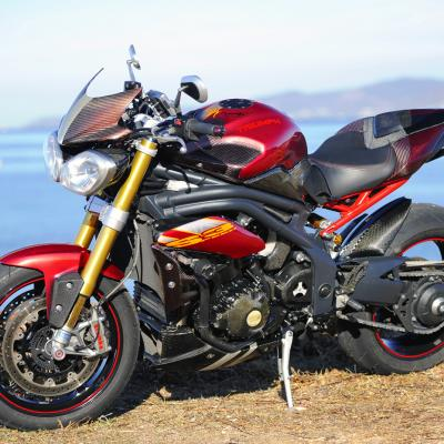 Triumph-Speed-Triple-1050-carbone-2011