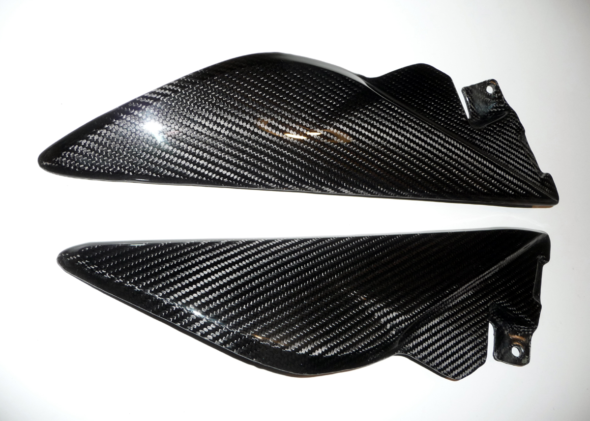 triumph-Tank-Infill-Panels-carbon-speed-1050